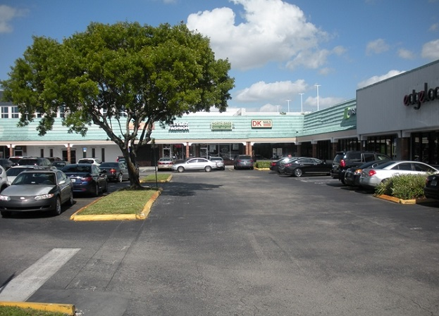 Miami-Gardens-Plaza-Retail-Shopping-Center-For-Sale-Florida